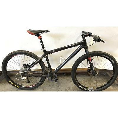 Giant XTC C1 Racing Bike
