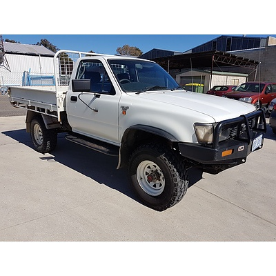 10/1994 Toyota Hilux (4x4) LN106R C/chas White 2.8L