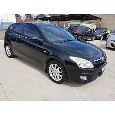 5/2010 Hyundai I30 SLX 1.6 CRDi FD MY10 5d Hatchback Black 1.6L