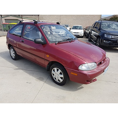 3/2000 Ford Festiva TRIO WF 3d Hatchback Red 1.3L