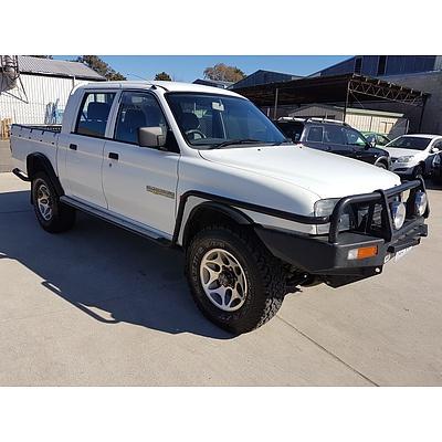 11/1998 Mitsubishi Triton GLX (4x4) MK Double Cab Utility White 3.0L