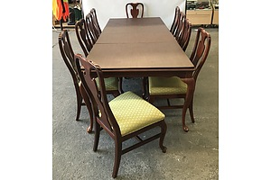 Drexel Heritage Furniture Eleven Piece Dining Setting