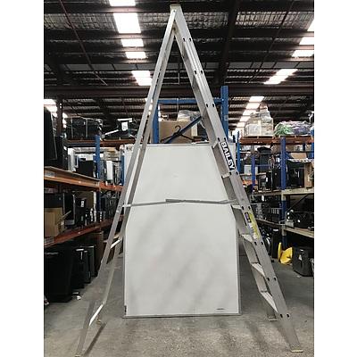 Bailey Heavy Duty 150kg A-Frame Ladder