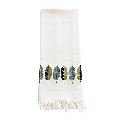 Leaves Throw - White - Free Shipping - RRP: $59.95