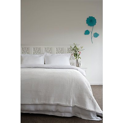 Super Soft Ardent Waffle Blankets Queen/King - White - Free Shipping - RRP: $159.95